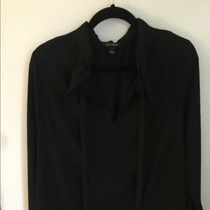 Banana republic blouse black L/S detailed collar
